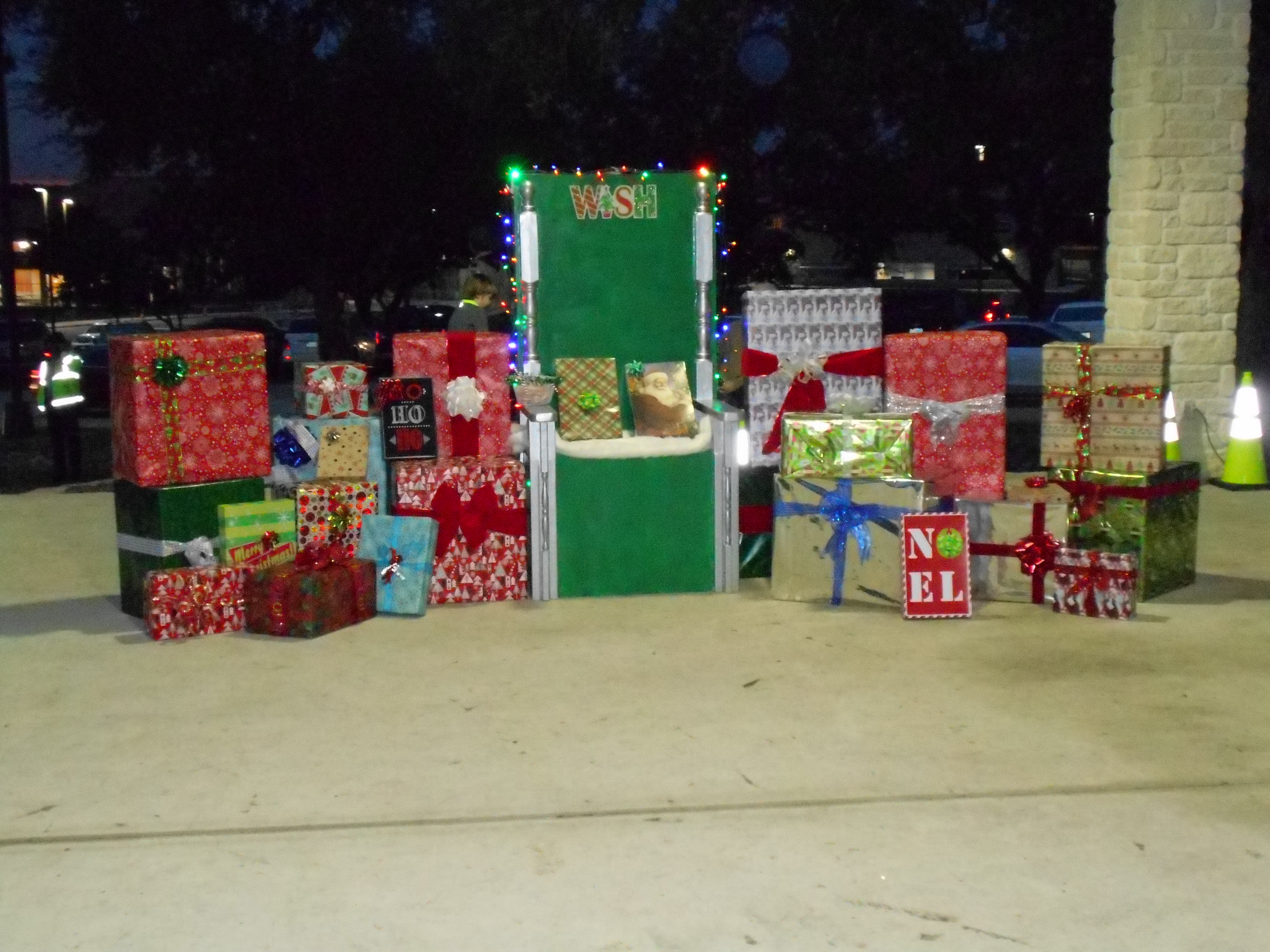 Thumbs Up City Of Garden Ridge Christmas Tree Lighting 006