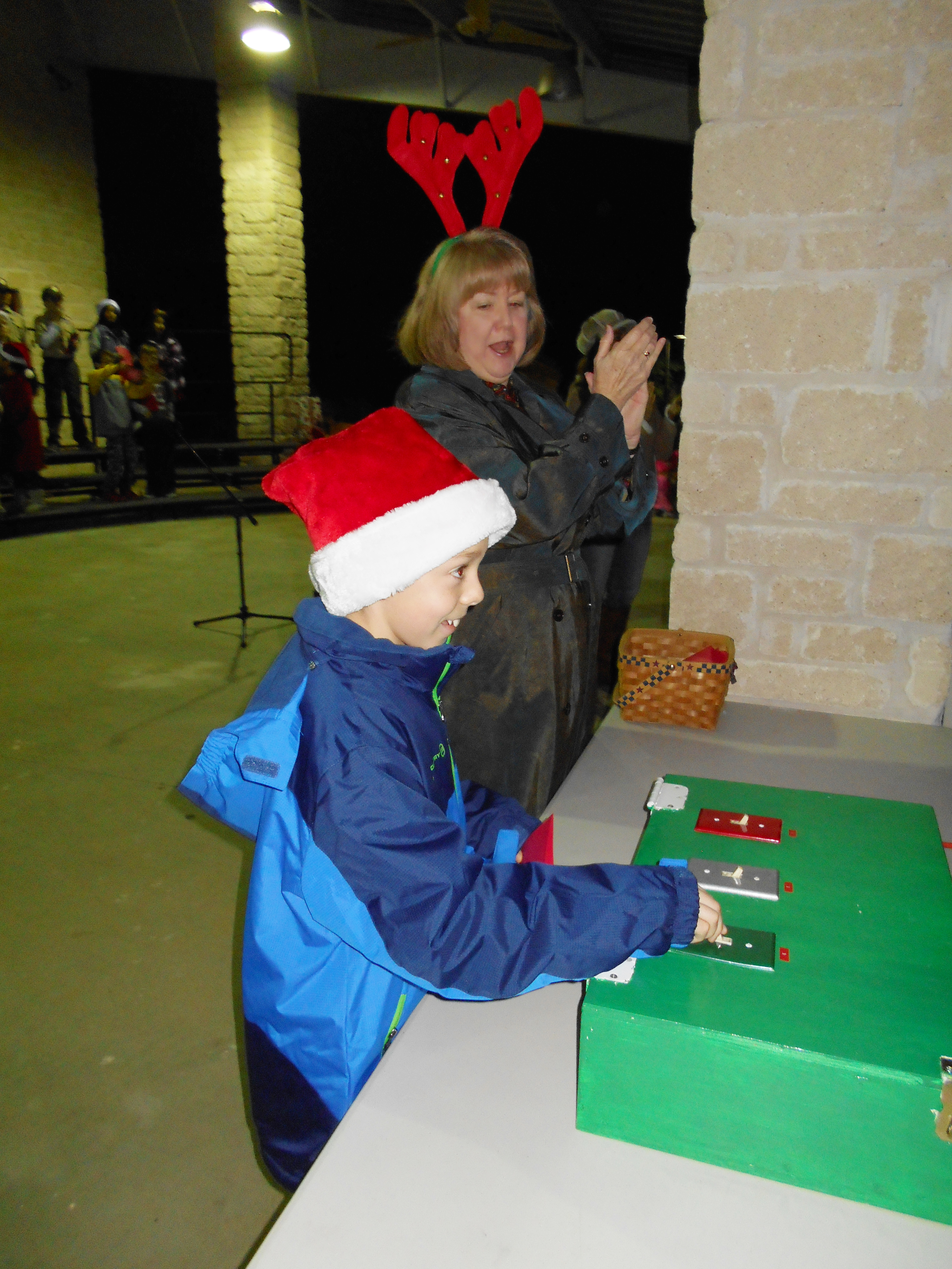 City of Garden Ridge Christmas Tree Lighting 021